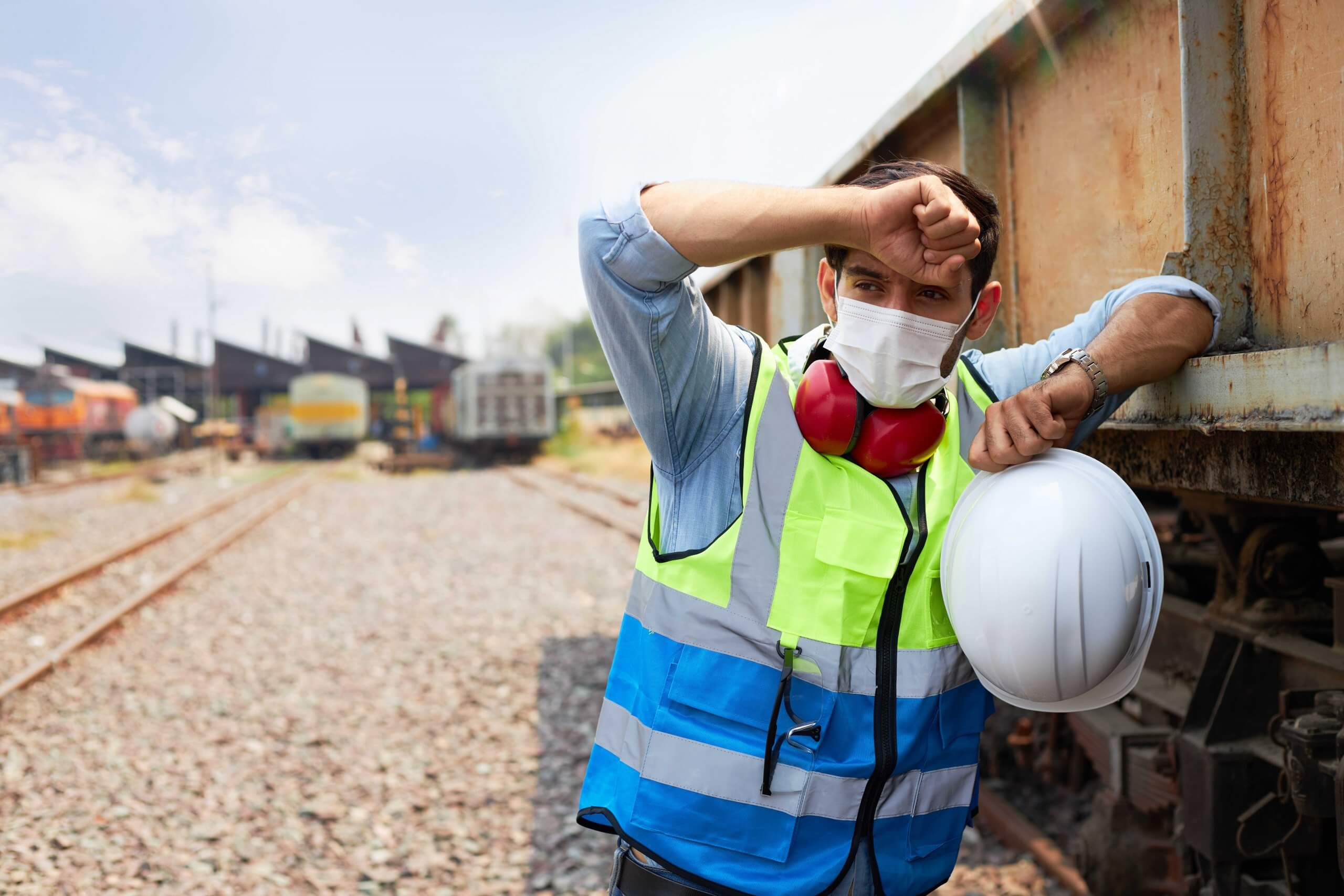 Worker with face mask outside